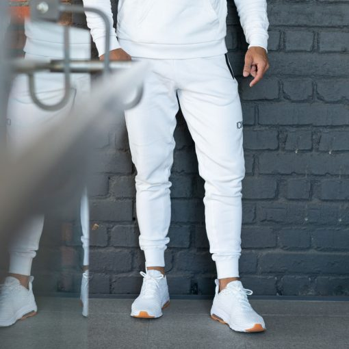 white-pants-men-1