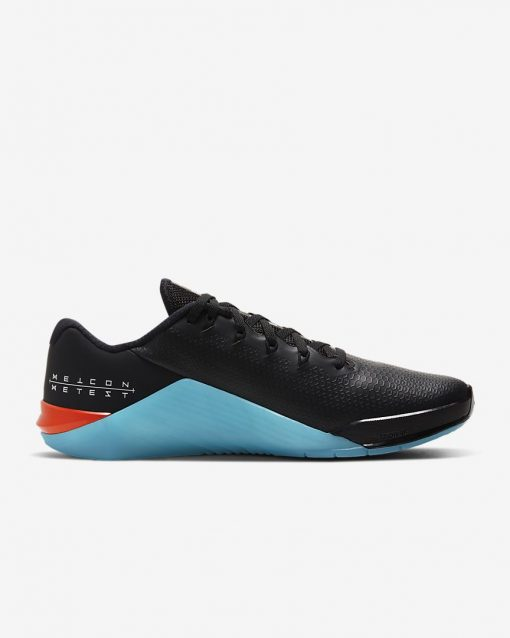 metcon-5-amp-training-shoe-4Q1Cr4_2