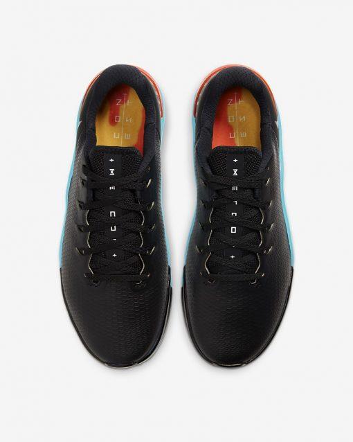 metcon-5-amp-training-shoe-4Q1Cr4_3