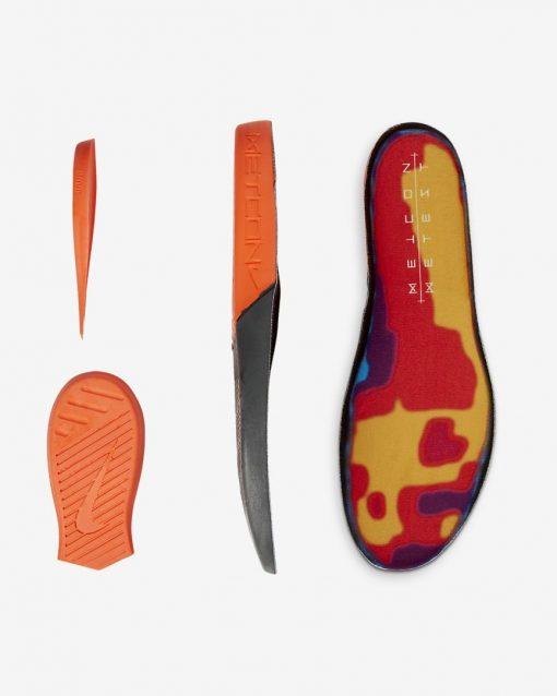 metcon-5-amp-training-shoe-4Q1Cr4_7
