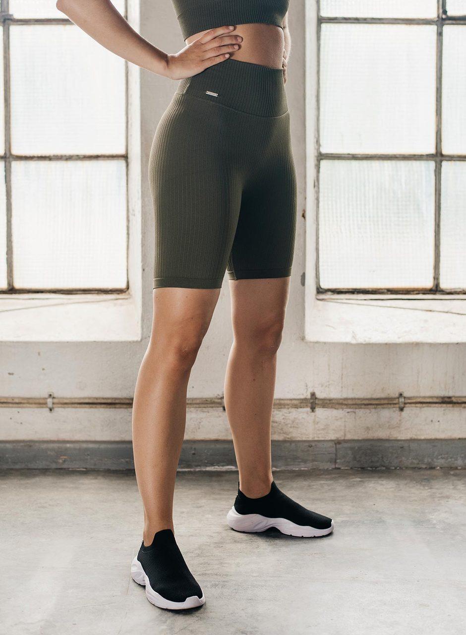 khaki-ribbed-seamless-biker-shorts.3_1280x1280